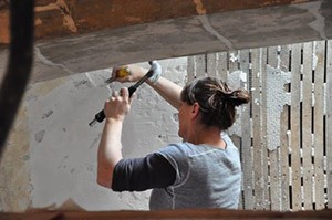 Featured Craftsman Pen Austin at work in the South Church chancel. Photograph by Brian Pfeiffer.