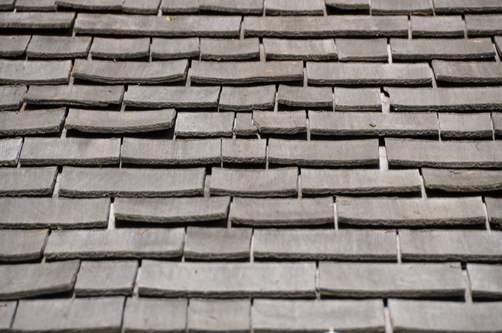Damaged-wood-shingles-1024x680