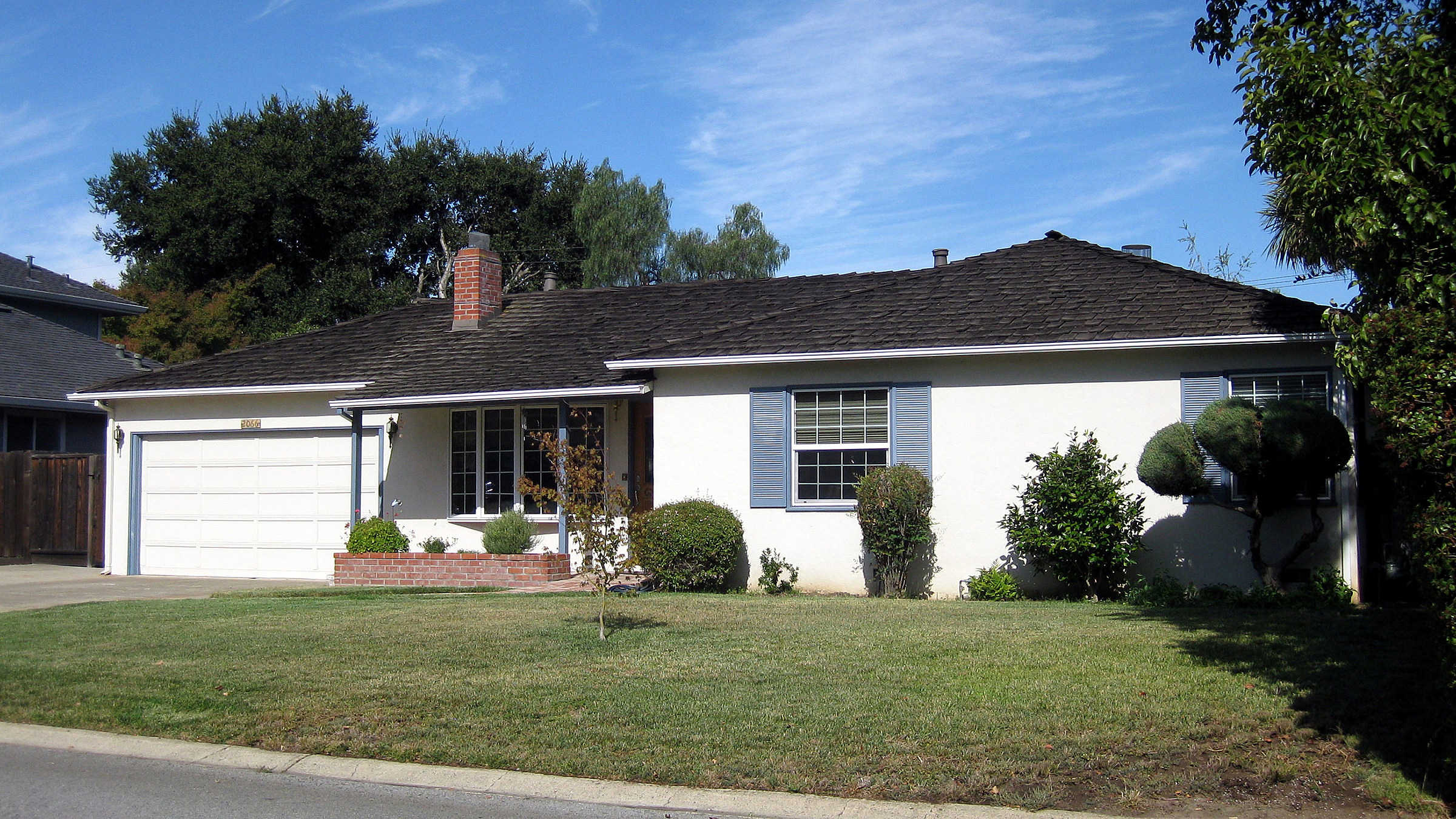 Steve Jobs childhood home in Los Altos, CA and garage where the first Apple computer was designed